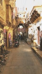 Une ruelle au hasard, dans la citadelle