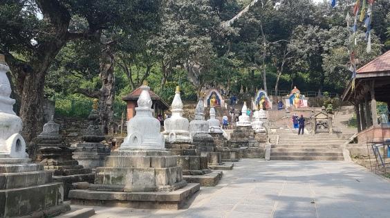 Entrée vers la Stupa