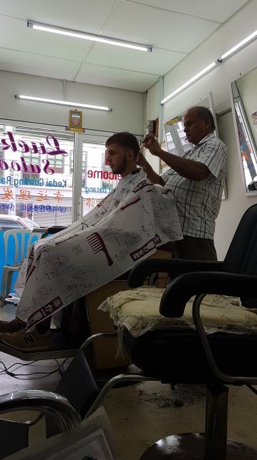 Un petit tour chez le coiffeur ?!