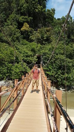 Indiantoine sur son pont de bois