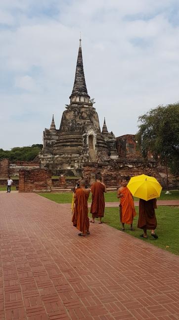 Les moines bouddhistes