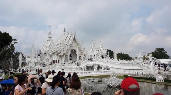 Le temple et ses touristes